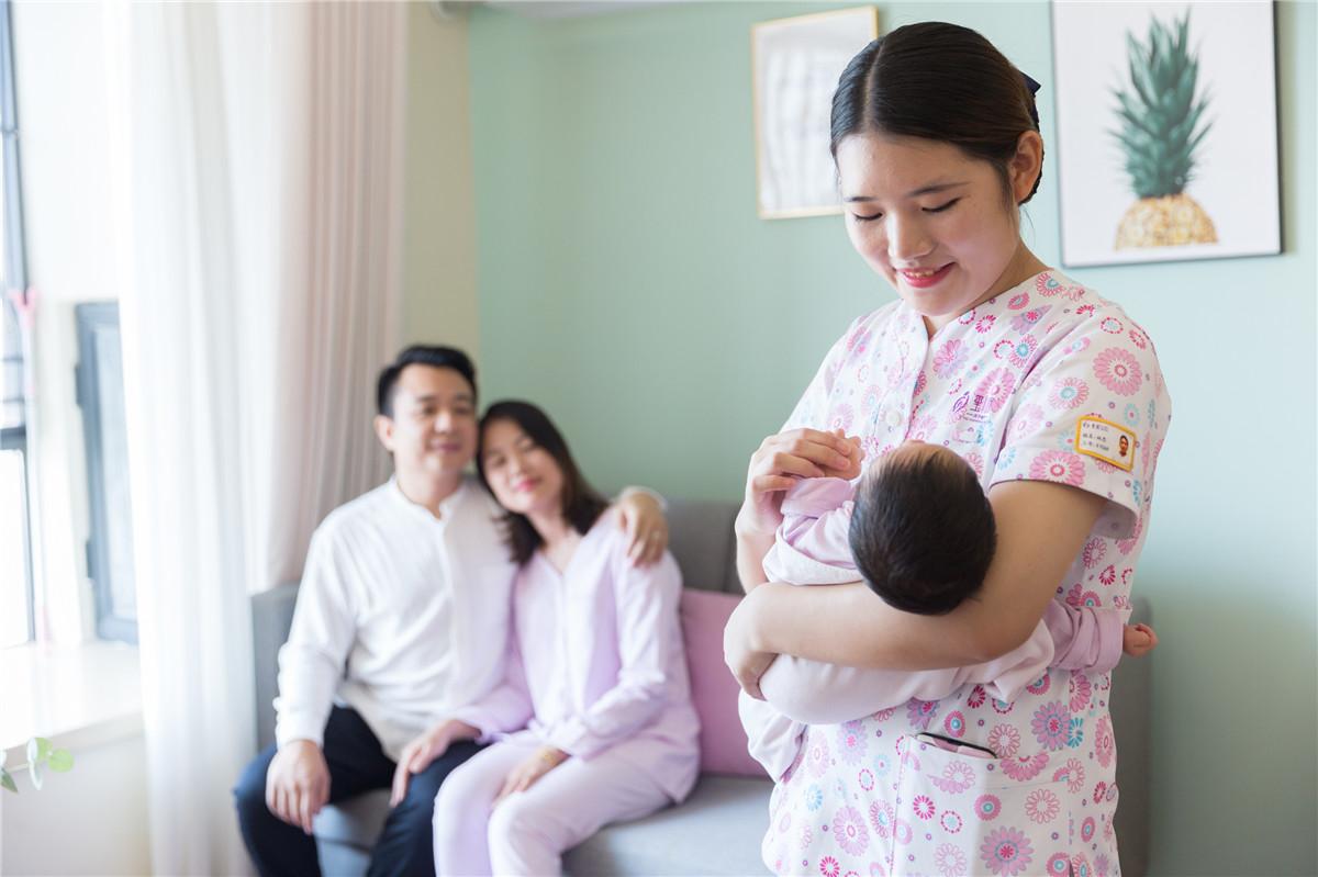 新手妈妈产后坐月子如何照顾宝宝
